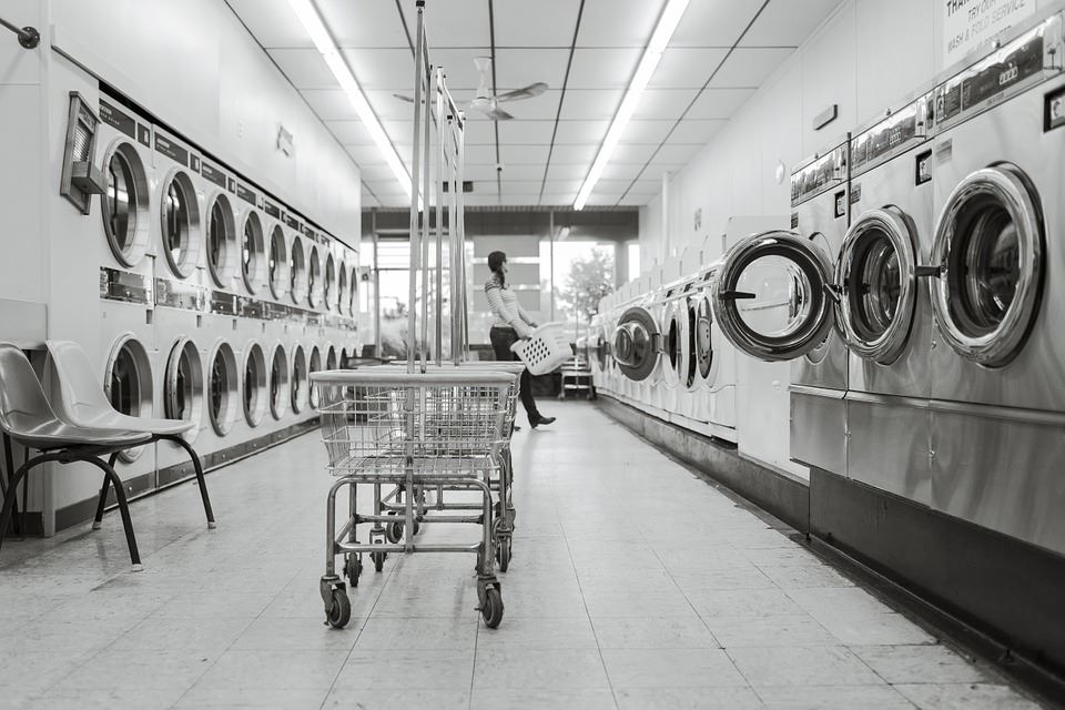 Laundromat, Image of Laundry Machines